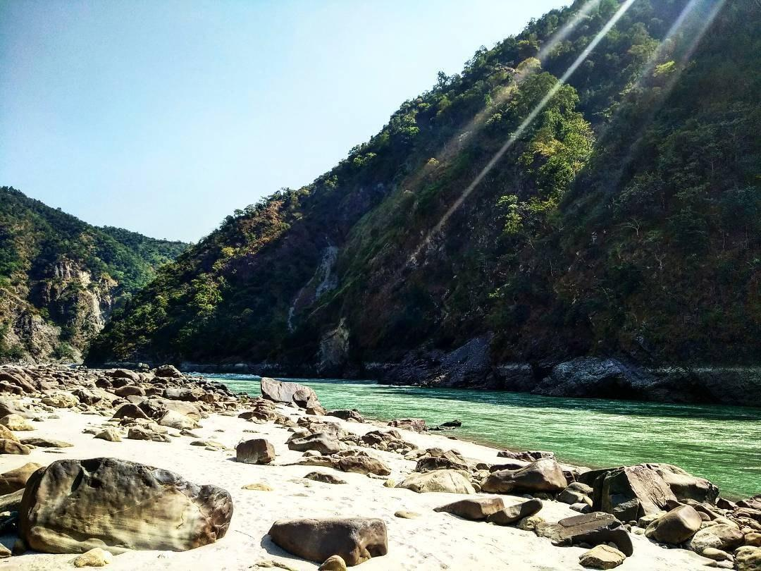 meditate-in-rishikesh-images