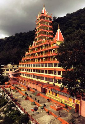 famous-temple-in-rishikesh