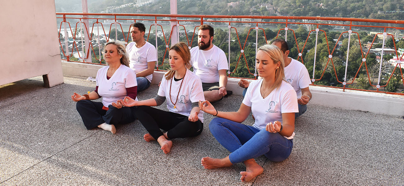 ritiro di yoga e meditazione a rishikesh